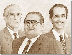 Panamá-Presidente-Guillermo-Endara-con-Vicepresidentes-Guillermo-Ford-y-Ricardo-Arias_thumb[1]
